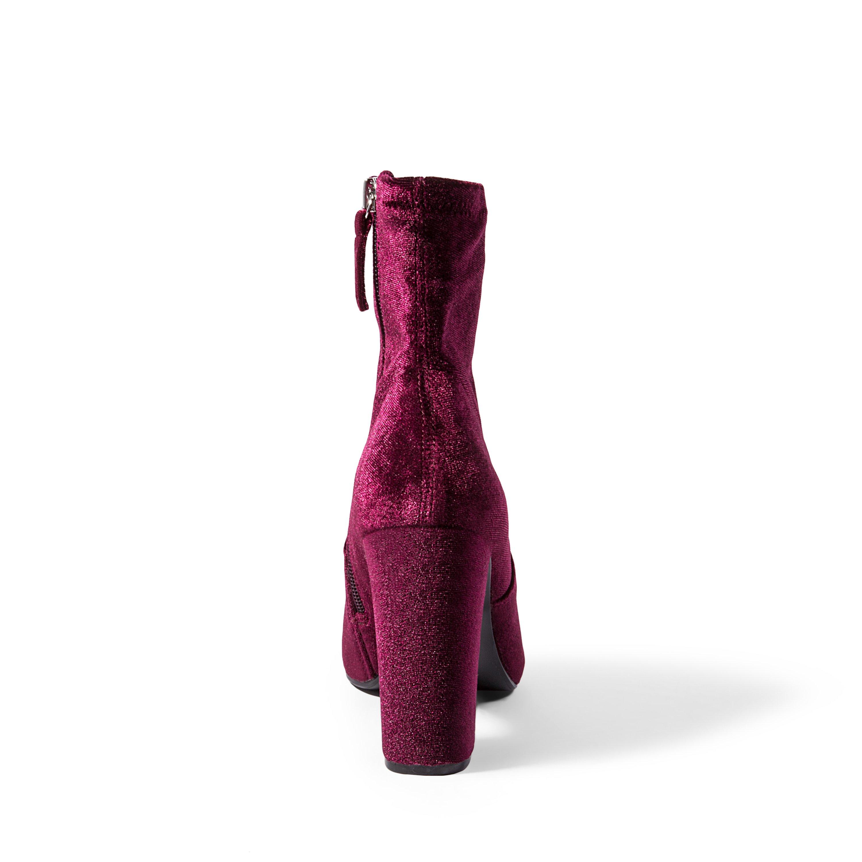 44ac1d854fd9 Steve Madden Womens Stardust Velvet Round Toe Ankle Fashion Boots