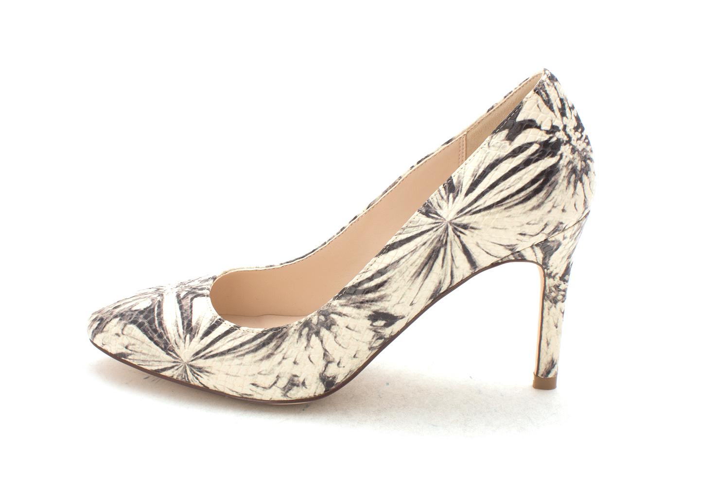 Cole Haan Womens Ursinesam Closed Toe Classic Pumps Beige/Black Snake Size 6.0