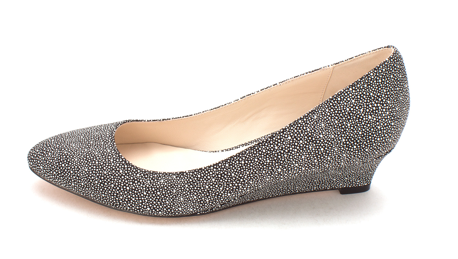 Cole Haan Womens 13A4173 Closed Toe Wedge Pumps Black/White Size 6.0
