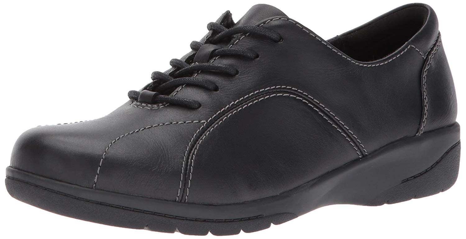 CLARKS Women's Cheyn Ava Oxford