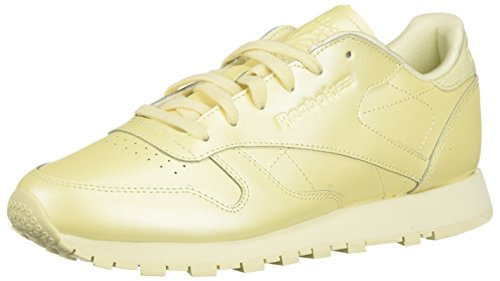 5dbd0039ab2 Reebok Womens Classic Leather Low Top Lace Up Running Sneaker