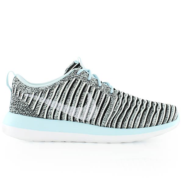 super popular 1c247 f10de Details about Nike Womens Roshe Two Flyknit Fabric Low Top Lace Up Running,  Blue, Size 8.0