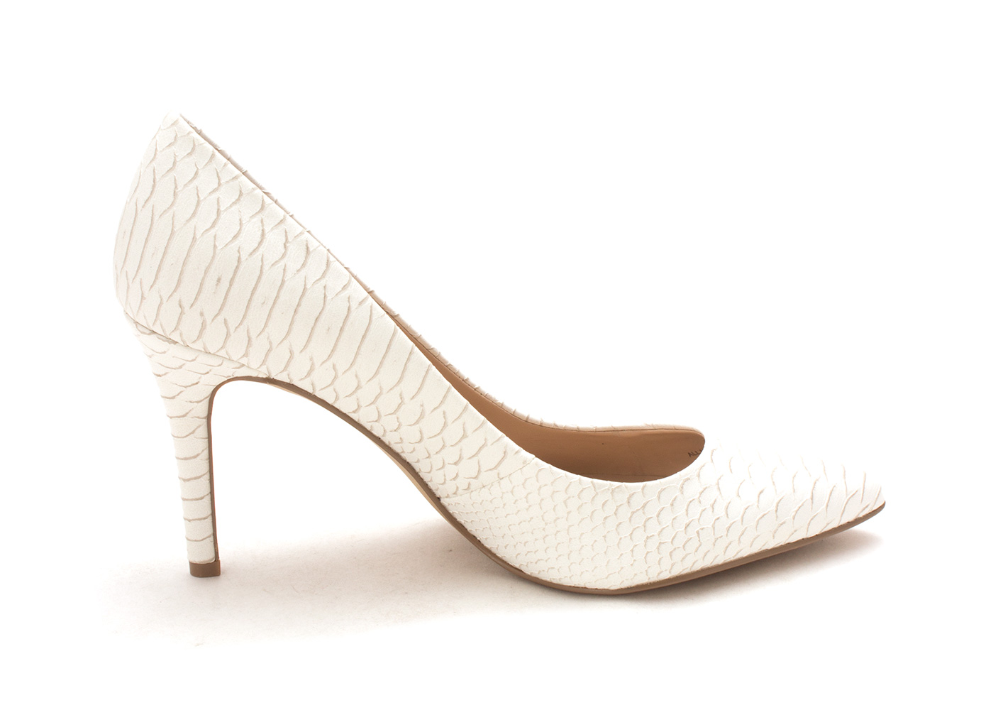 27198d1a4af Jessica Simpson Womens Levin Pointed Toe Classic Pumps