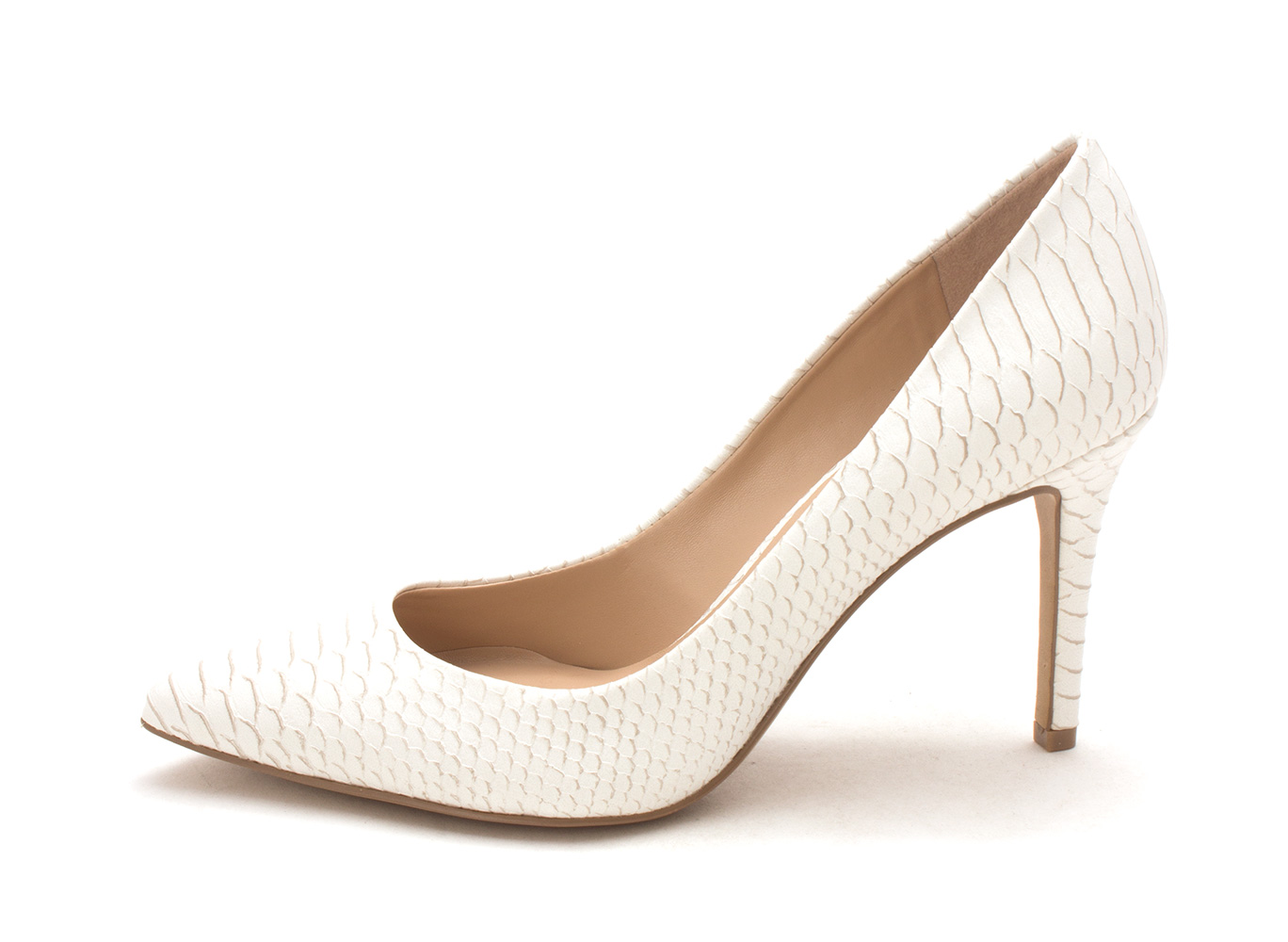78b69ca1a468 Jessica Simpson Womens Levin Pointed Toe Classic Pumps