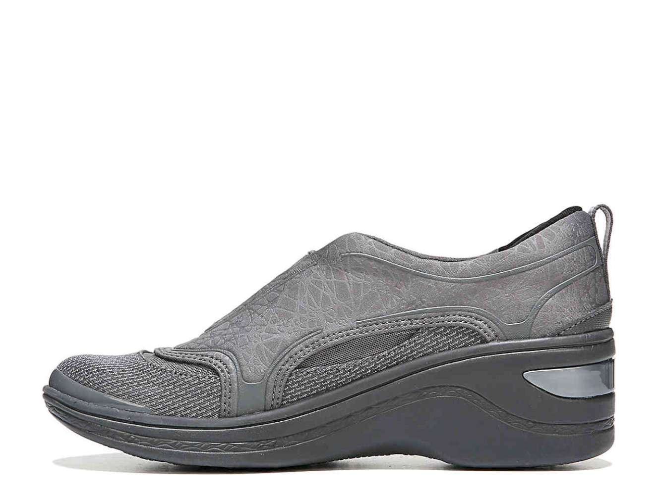 BZees Womens derive Fabric Closed Toe Casual Platform Dark Grey Size 80