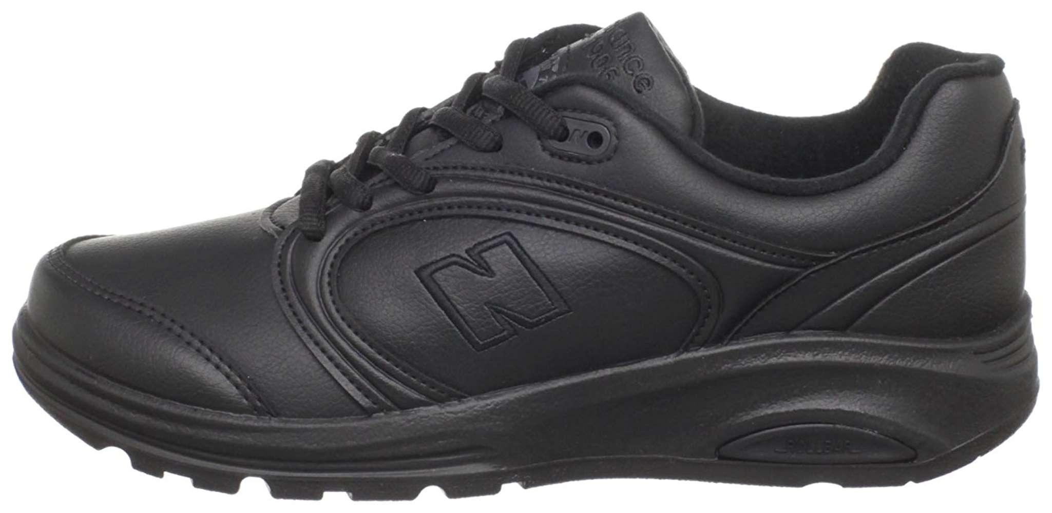 Low Top Lace Up Walking Shoes, Black
