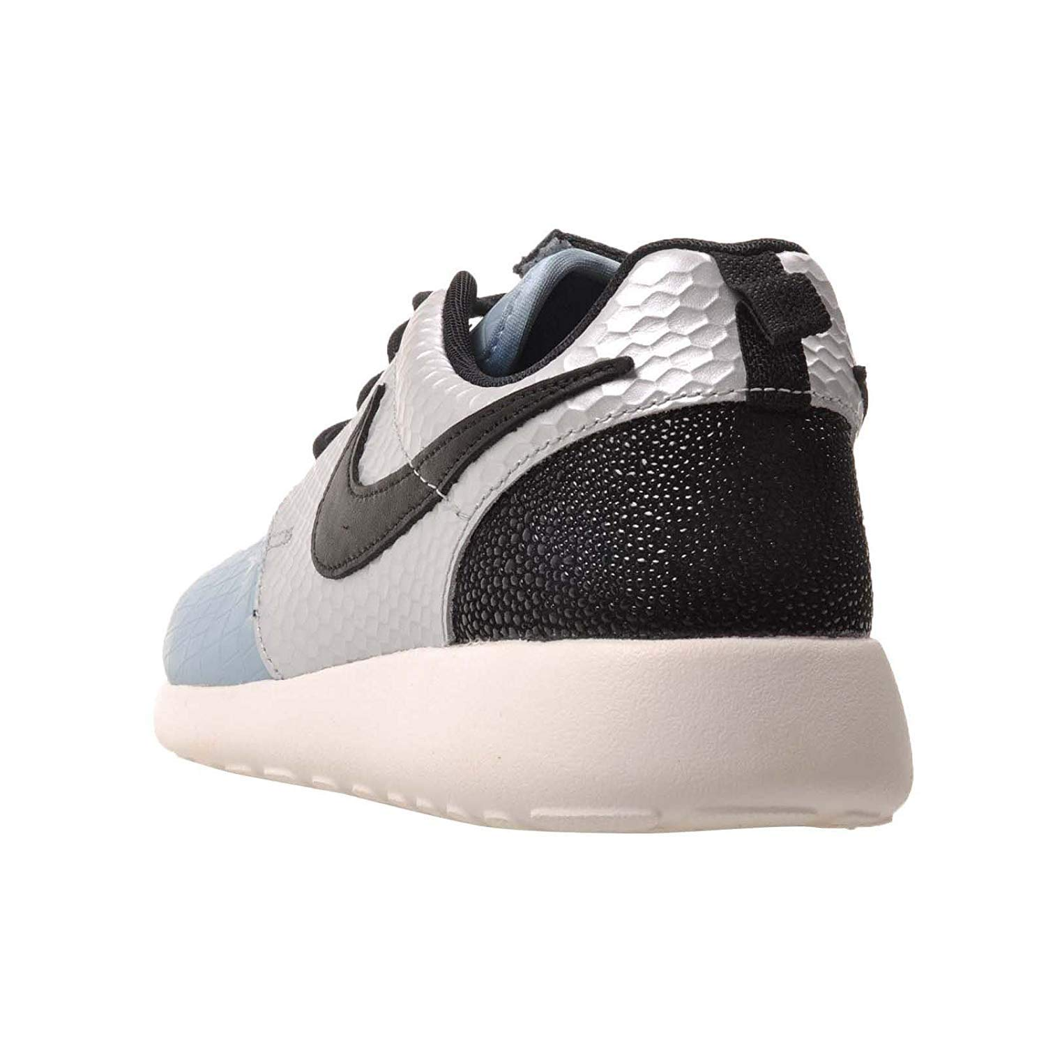 5928ff10b322 Nike Womens Roshe One LX Low Top Lace Up Running Sneaker