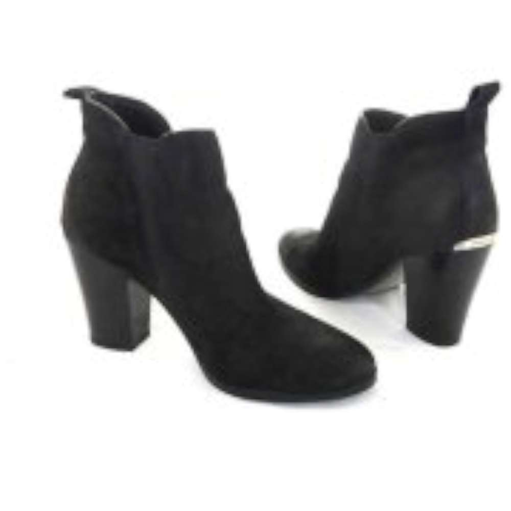 Womens Brandy Leather Pointed Toe Ankle Fashion Boots