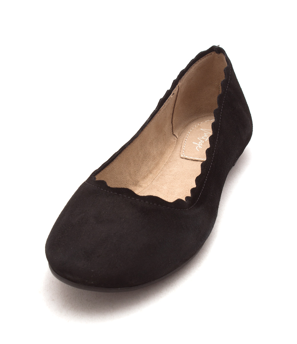 a4b883c65c307b Crown Vintage Womens Weslyn Closed Toe Ballet Flats