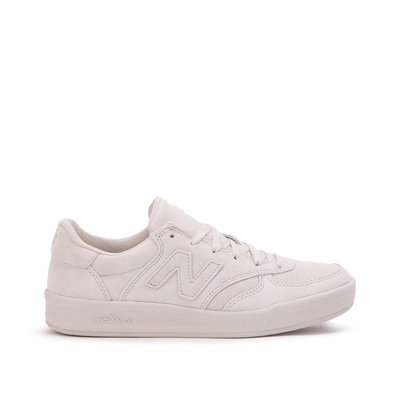 1657fbb3ebf New Balance Womens WRT300PM Low Top Lace Up Fashion Sneakers, Beige ...