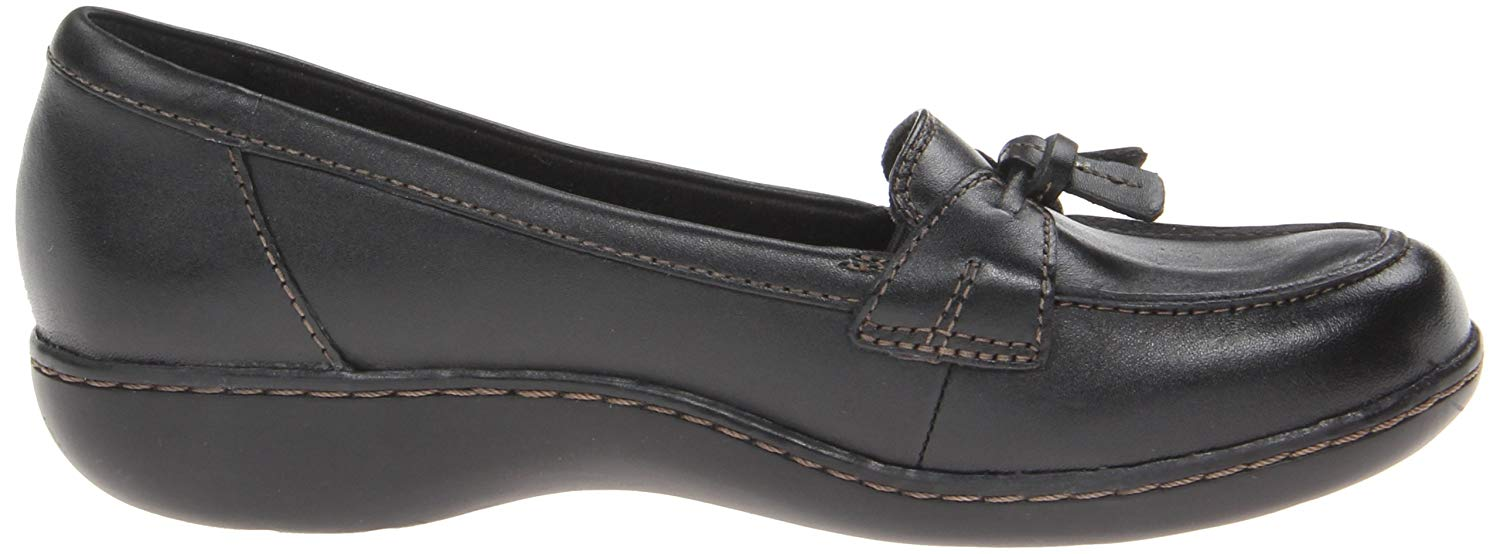 bf4703998f0 Clarks Womens Ashland Bubble Leather Closed Toe Loafers