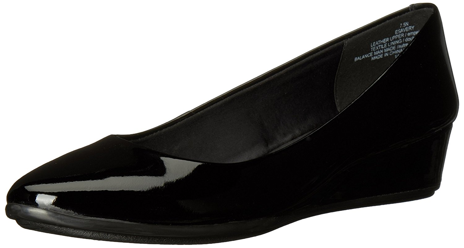 Easy Spirit Womens Esavery Leather Closed Toe Wedge Pumps Black Pa Size 5.0