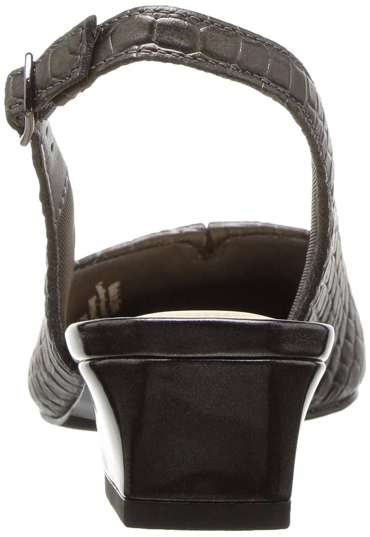 00de70fe936a Trotters Womens Dea Leather Cap Toe SlingBack Classic Pumps