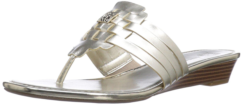 Anne Klein Womens Irisa Split Toe Casual TStrap Sandals Light Gold Size 100