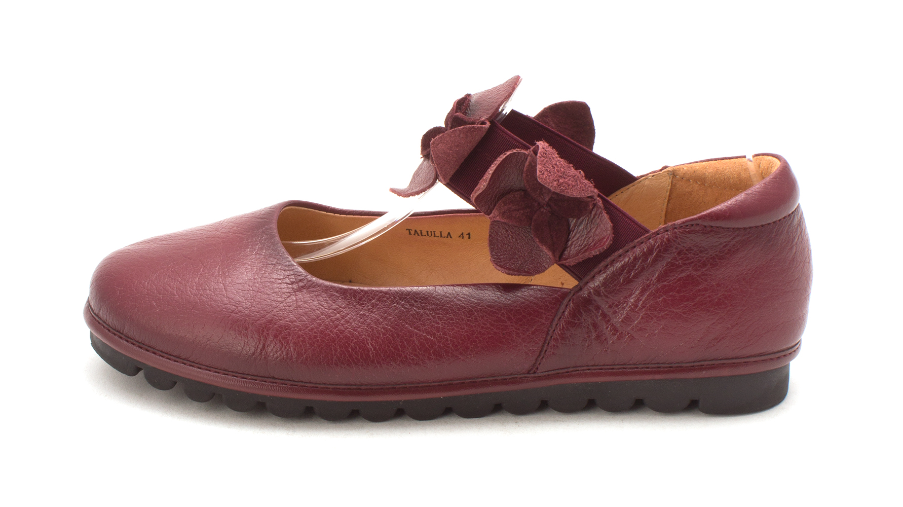 c1ce54c503cb L Artiste by Spring Step Womens Talulla 41 Closed Toe Ballet Flats